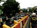 macet-jalan-sudirman-depan-kantor-walikota-pekanbaru_20170703_145501.jpg
