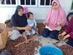makanan-unik-di-riau-bikin-dewi-bisa-bertemu-presiden-ri-jokowi-sudah-dijual-sampai-malaysia.jpg