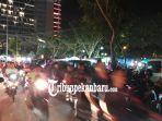 malam-tahun-baru-2019-di-pekanbaru-lalu-lintas-di-sekitar-rth-putri-kaca-mayang-padat-merayap.jpg