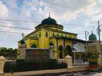 masjid-kerajaan-itu-bernama-masjid-syahabuddi-di-kota-siak.jpg