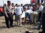 mayat-laki-laki-bersimbah-darah-ditemukan-di-dekat-simpang-empat-lubeg-padang.jpg