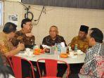 mendagri-sarapan-bersama-gubernur-dan-wakil-gubernur-riau_20171116_102310.jpg