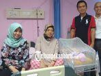 menunggu-selama-9-tahun-suami-istri-di-pekanbaru-dikaruniai-anak-melalui-program-bayi-tabung-di-pmc.jpg