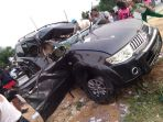 mobil-kecelakaan-rifal-effendi-ringsek-aibat-kecelakaan_20180926_193058.jpg