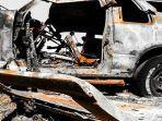 mobil-terbakar-1.jpg