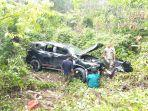 mobil_yang_mengangkut_6_orang_masuk_jurang_di_kuansing_kapolres_ungkap_penyebab_kecelakaan.jpg