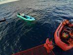 nelayan-terombang-ambing-di-tengah-laut-maluku.jpg