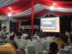 nobar-debat-pilpres-di-posko-jokowi-maruf-di-pekanbaru.jpg