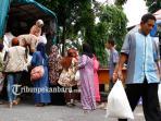operasi-pasar-bulog-dan-tribun-pekanbaru_20161007_194747.jpg