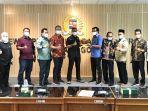 pansus_dprd_pekanbaru_pkl_tak_boleh_lagi_jualan_di_jalan_protokol_dan_gepeng_harus_diatur.jpg