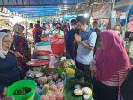pantau_jual_beli_di_pasar_kodim_wakil_ketua_dprd_pekanbaru_semua_berjalan_dengan_baik.jpg