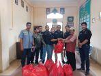 panti-asuhan-putra-muhammadiyah-dikunjungi-pwi-pekanbaru_20180101_184837.jpg