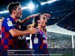 para-pemain-barcelona-rayakan-gol.jpg