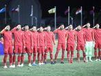 para-pemain-timnas-u-22-indonesia-menyanyikan-lagu-kebangsaan.jpg
