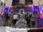 para-pemenang-lomba-recycle-fashion-renaissance_20181104_170422.jpg<pf>para-pemenang-lomba-recycle-fashion-renaissance_20181104_170402.jpg