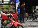 pasokan-gas-3-kg-kosong-di-pangkalan-elpiji-jalan-kutilang-pekanbaru-3_20170905_161342.jpg