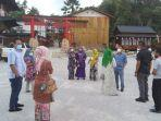 pastikan_prokes_pimpinan_dprd_pekanbaru_azwendi_bersama_satgas_covid-19_turun_ke_asia_heritage.jpg