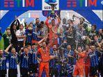 pemain-inter-milan-merayakan-gelar-juara-liga-italia-di-stadion-san-siro-pada-minggu-2352021.jpg