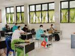 pembelajaran_online_di_inhil_murid_baru_smpn_1_tembilahan_pengenalan_sekolah_lewat_aplikasi_zoom.jpg