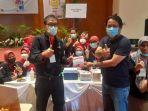 pemred-tribun-pekanbaru-apresiasi-luar-biasa-buat-pemprov-riau-dalam-vaksinasi-covid-19.jpg