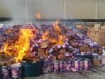 pemusnahan-produk-permen-yang-plesetkan-kata-ya-allah_20151023_233320.jpg