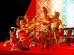 penari-thailand-di-festival-siak-bermadah-2016_20161011_141012.jpg
