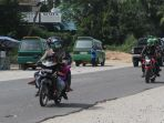 pengendara-arus-lalu-lintas-arus-mudik-jalan-raya-pekanbaru-bangkinang-mudik-lebaran_20180611_153904.jpg