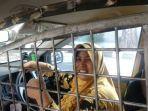 pengmudi-taksi-online-pasang-teralis.jpg
