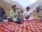 penyanyi-folk-asal-afghanistan-fawad-andarabi-dikabarkan-dibunuh-taliban.jpg