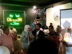 penyanyi-mayang-jasmine-membuka-restoran-dimsum-di-pekanbaru.jpg