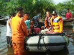 penyerahan-bantuan-dan-evakuasi-warga-desa-lubuk-kembang-bunga_20170302_103756.jpg