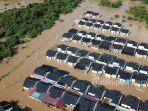 perumahan-pesona-harapan-indah-yang-terendam-banjir1.jpg<pf>perumahan-pesona-harapan-indah-yang-terendam-banjir2.jpg<pf>perumahan-pesona-harapan-indah-yang-terendam-banjir3.jpg