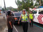 polisi-tilang-pelanggar-lalu-lintas-di-kampar.jpg