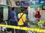 polisi_pekanbaru_lakukan_olah_tkp_di_toko_emas_yang_disatroni_maling.jpg