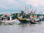 pompong-hias-semarakan-festival-sungai-indragiri_20170922_205250.jpg