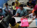 ppdb_foto_mendaftarkan_anak_bersekolah_di_sd_negeri_di_pekanbaru_2jpg.jpg