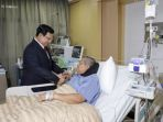 prabowo-subianto-jenguk-ketua-umum-partai-demokrat-susilo-bambang-yudhoyono-sby_20180719_092132.jpg