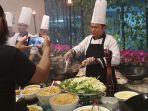 premiere-hotel-gelar-live-cooking.jpg