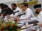 presiden-joko-widodo-kedua-kanan-memimpin-rapat-kabinet-terbatas.jpg
