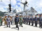 presiden-joko-widodo-meninjau-kesiapan-kapal-perang.jpg