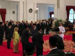 presiden-joko-widodo-saat-memberikan-gelar-pahlawan-nasional_20181108_141055.jpg