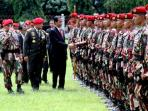 presiden-jokowi-kopassus_20161110_204256.jpg