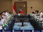 presiden-ri-jokowi-langsung-rapat-terbatas-setelah-sampai-di-riau-media-lokal-dilarang-mendekat-1.jpg