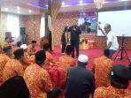 presiden_direktur_silver_silk_fitryadi_beri_sambutan_keberangkatan_jemaah_umrah.jpg