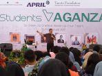 prof-rhenald-kasali-phd-memberikan-motivasi-kepada-generasi-muda-di-students-vaganza-2017_20170214_160411.jpg