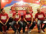 program-internet-mania-supercepat-telkomsel-di-plaza-medan-fair_20160620_094932.jpg