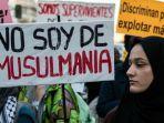 protes-anti-rasis-di-spanyol.jpg