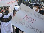 protes-unjuk-rasa-di-myanmar.jpg