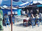 psu-sedang-berlangsung-di-tps-01-desa-sungai-luar-kecamatan-batang-tuaka-kabupaten-inhil_20180701_114254.jpg