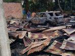 puing-puing-sisa-kebakaran-lima-petak-rumah-dan-satu-unit-mobil-fortuner-di-kelurahan-sorek_20180112_105940.jpg